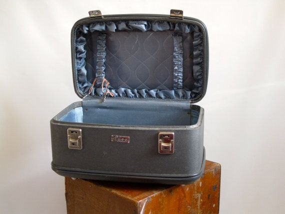 Vintage Luce Small Carry On Luggage Grey/Blue Hard Case with blue interior comes with keys