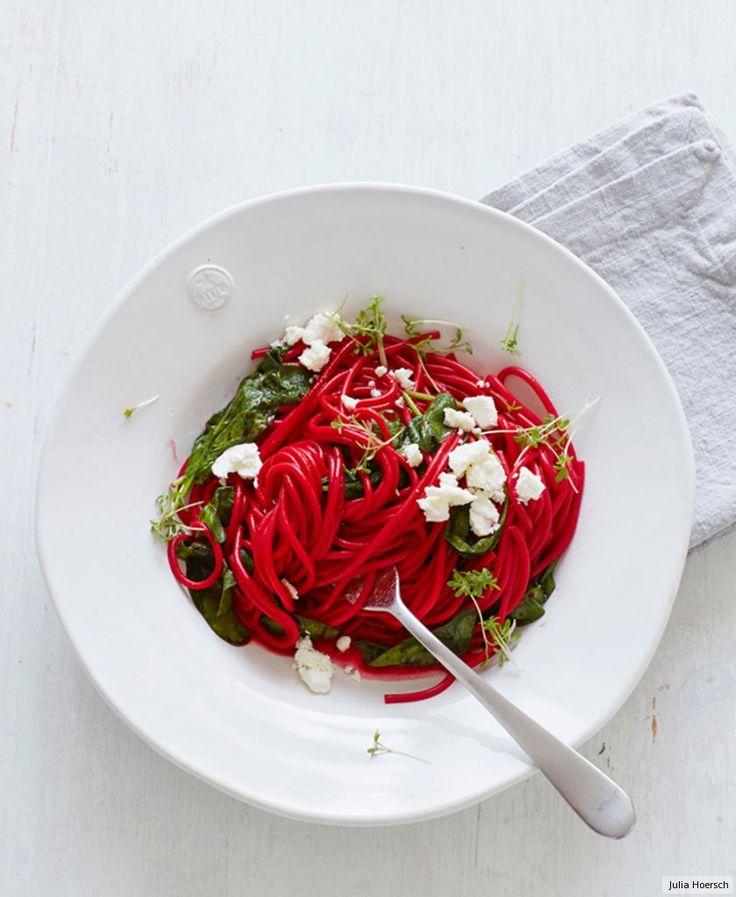 Rezept für Rote-Bete-Nudeln mit Spinat bei Essen und Trinken. Und weitere Rezepte in den Kategorien Gemüse, Käseprodukte, Kräuter, Milch + Milchprodukte, Nudeln / Pasta, Hauptspeise, Kochen, Einfach, Schnell, Vegetarisch.
