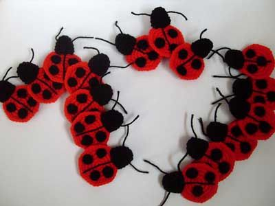 Lucky lieveheersbeestjes!  Ontvang 10 gratis # haak lieveheersbeestje patronen in deze roundup van mooglyblog.com