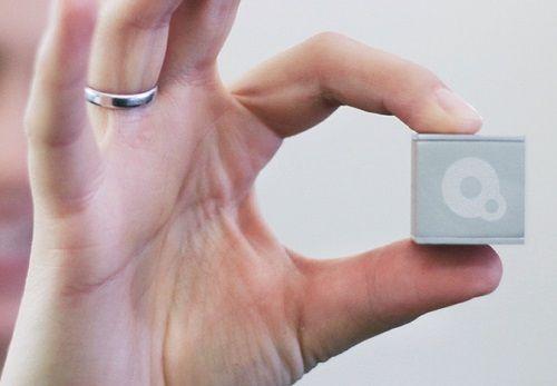 qBiq: Das Schweizer Taschenmesser für das Internet der Dinge (IoT)  Die Firma Ubiqweus Inc. plant mit ihrem Sensor qBiq eine IoT-Revolution. Künftig soll jeder Gegenstand mit dem Internet verknüpft werden können.  #smarthome #iot #kickstarter #crowdfunding #tech #technews #smarttech #automation #connected