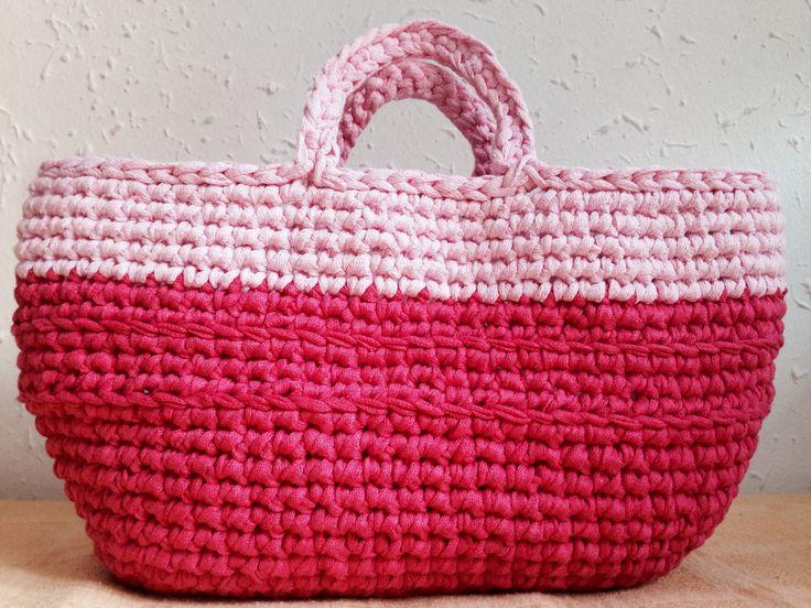 Cesto ideal para el verano hecho de trapillo ligero (combinación de colores a elegir)