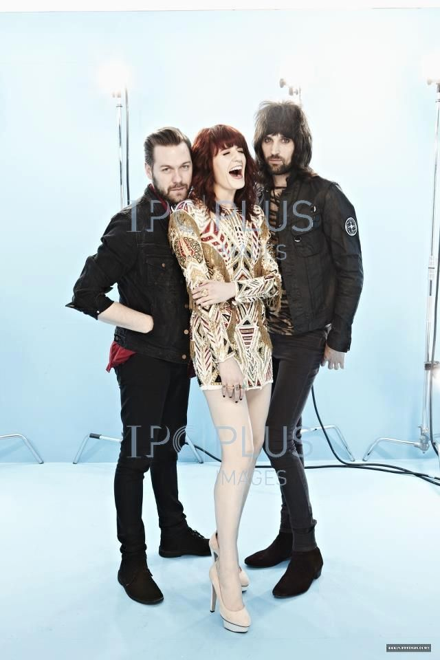 Florence with Tom Meighan and Sergio Pizzorno from Kasabian. So much talent and beauty all in one photo <3 <3 <3