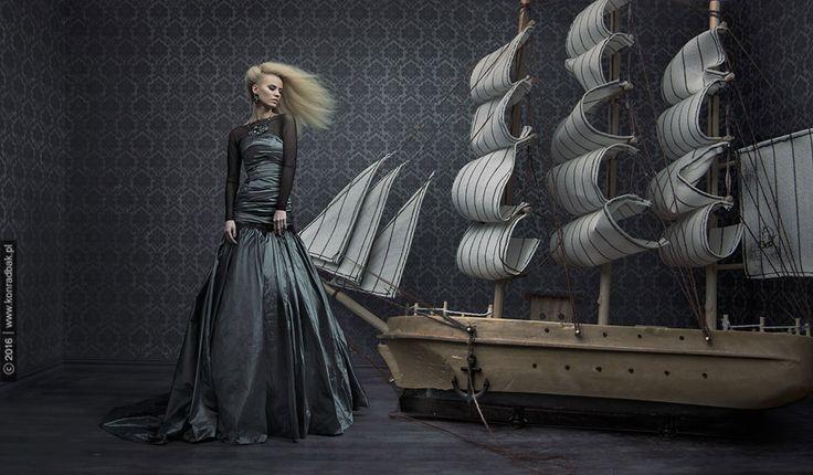 Fot: Konrad Bąk Photography , Model: Joanna Kościak - Jo Ko model Mua: Julia Majdańska biżuteriaL Kasia Biedrycka hair: Salon Fryzjerski - Tomasz Toman