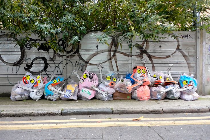 There's more to the trashy work of Barcelona-based Francisco de Pájaro than just throwaway art...