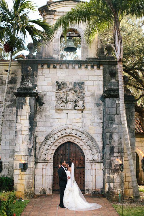 Outdoor Miami wedding at the Ancient Spanish Monastery - photos by Becca Borge | junebugweddings.com