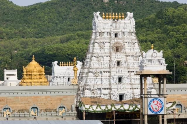 9 Places to See Magnificent South India Temples: Tirupati