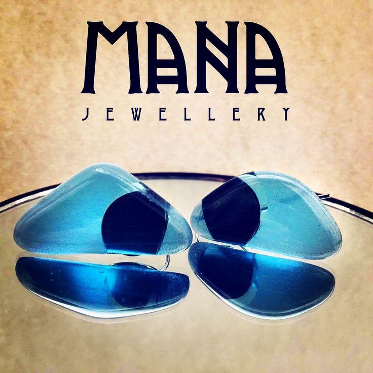Blue crystal glass earrings by MANA jewellery  https://www.etsy.com/shop/MANAByGekova