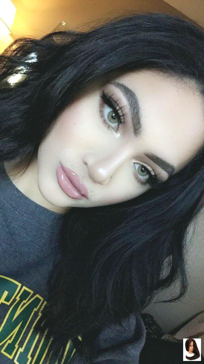 Black Hair Green Eyes Espaco Menina Space Girl On Quot E Gucci Quot Cabelo Pele Clara Cabelo E Maquiagem Cabelo Verde