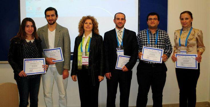 Anadolu Üniversitesi 18. Eğitim Bilimleri Kongresi'nde #Bilişim sektörüne özel hizmet sunan #kariyer sitesi www.kariro.com rüzgarı esti...https://www.facebook.com/media/set/?set=a.1450898225205747.1073741831.1438505323111704&type=1