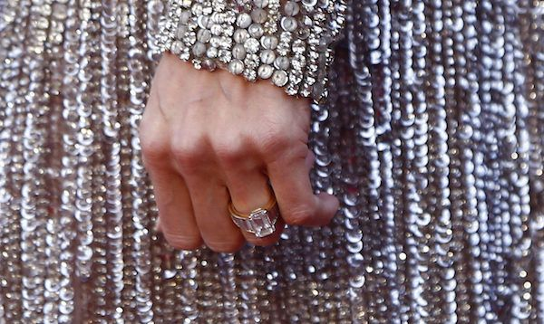 angelina jolie engagement ring   You Can Buy A $47 Replica Of Angelina's Engagement Ring And Never Admit Love Is Dead