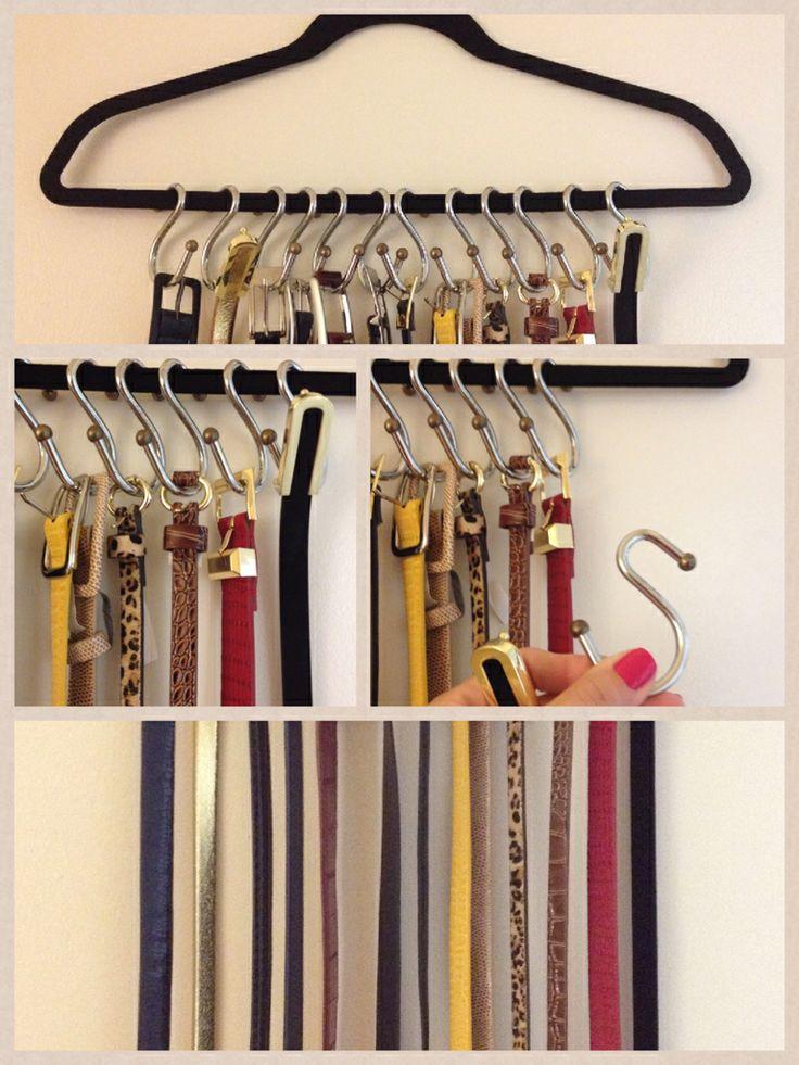 Usando ganchos das cortinas de banheiro como cabides para cintos, porque não aproveitar algo que se pode usar de outra forma.