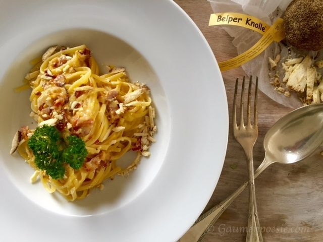 Spaghetti Carbonara. Eines der köstlichsten Pasta Gerichte aus Italien.