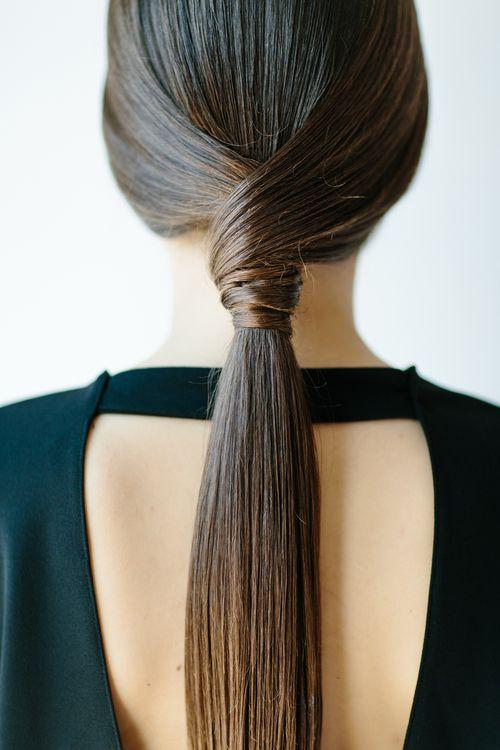 Penteado prático e elegante para #madrinhas de #casamento com cabelos longos.