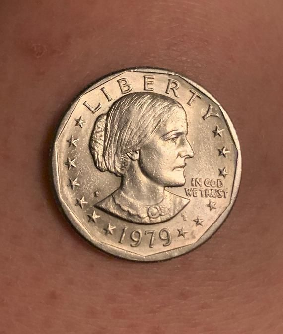 Rare Vintage 1979 P Susan B Anthony One Dollar Coin In 2020 Rare Coins Worth Money Susan B Anthony Old Pennies Worth Money,Grandmother Cartoon