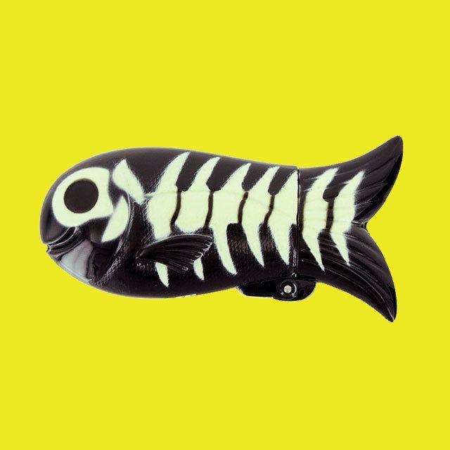 Pylones 魚のライター●スカル