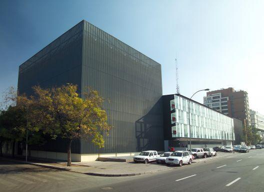 Universidad Diego Portales, Facultad de Economía y Empresa