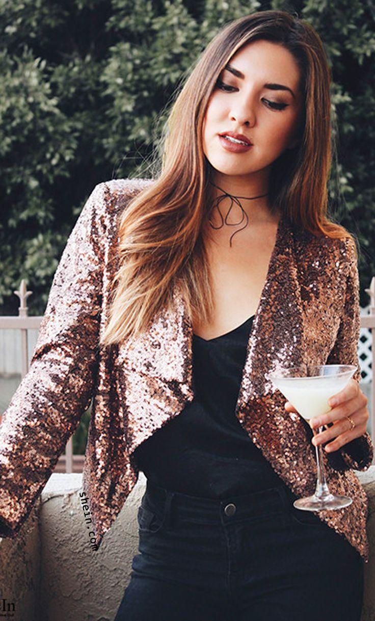 Golden sequins draped collar blazer.