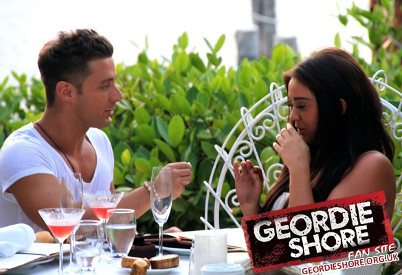 Ricci Proposes To Vicky in Geordie Shore Season 3!