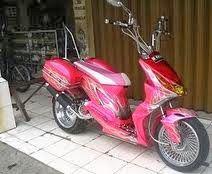 Modifikasi Honda Beat konsep touring buat cewek