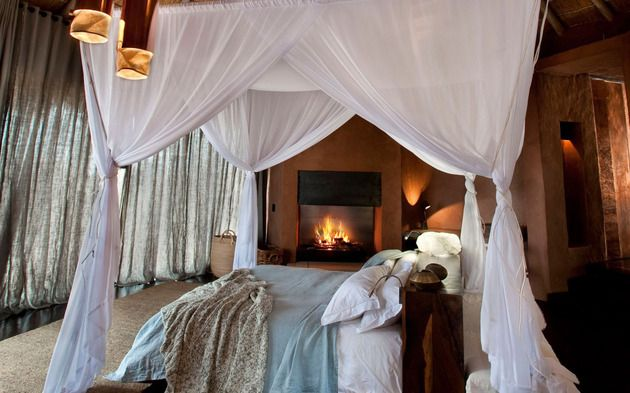south-african-villa-with-cave-like-interiors-and-observatory-13.jpg