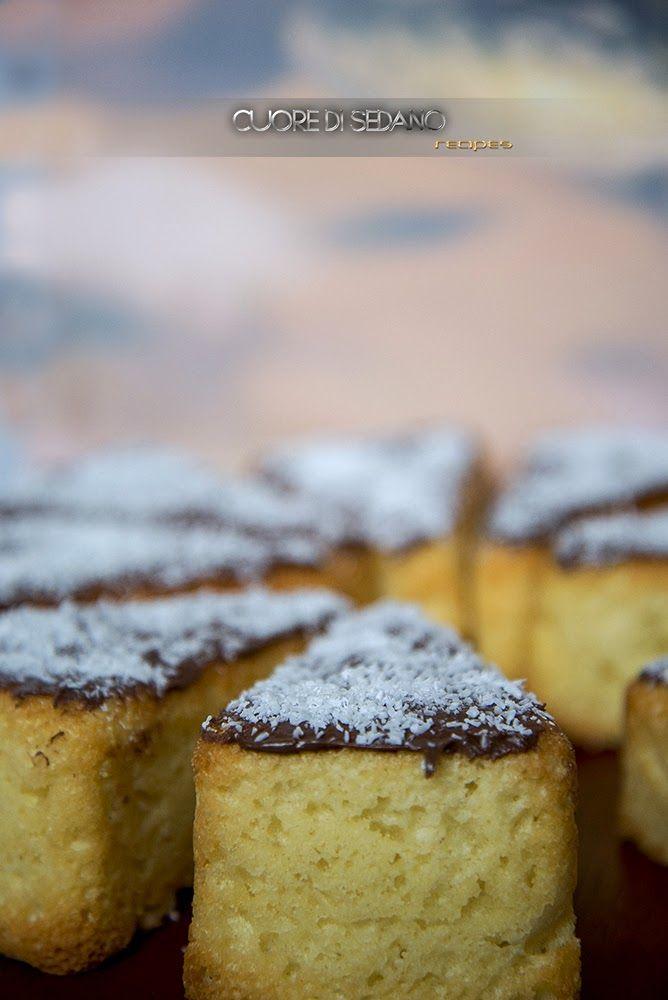 Fette di torta al cocco e crema gianduia
