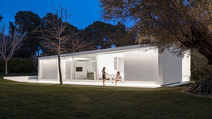 Fran Silvestre postavil ve Valencii luxusní domek pro hosty
