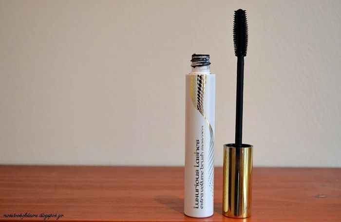KIKO Luxurious Lashes Extra Volume brush mascara   Review - Notebook of Claire