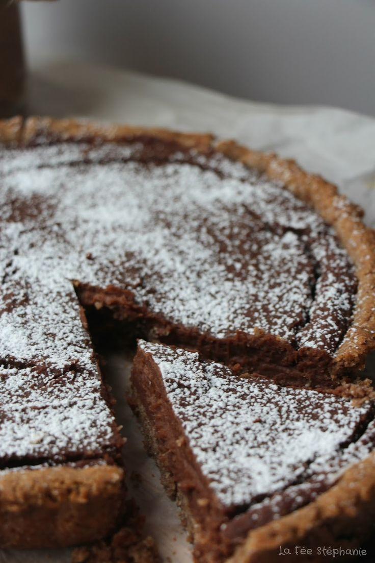 Découvrez la recette de la pâte brisée sans gluten pour un dessert d'une incroyable bonté: tarte à la crème de châtaignes et chocolat! Recette vegan, sans gluten, ni soja.