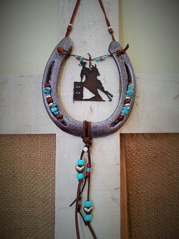 Best 25 horseshoe decorations ideas on pinterest for Horse shoe decorations