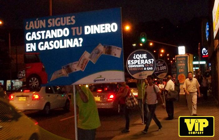 BTL CAMPAÑA GAZEL MEDELLIN - COLOMBIA Totens BTL http://www.vip.com.co www.facebook.com/vipcompanysa
