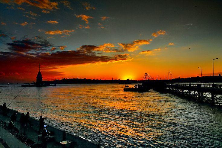 Sunset Istanbul - Kız Kulesi (Maiden's Tower) / Üsküdar