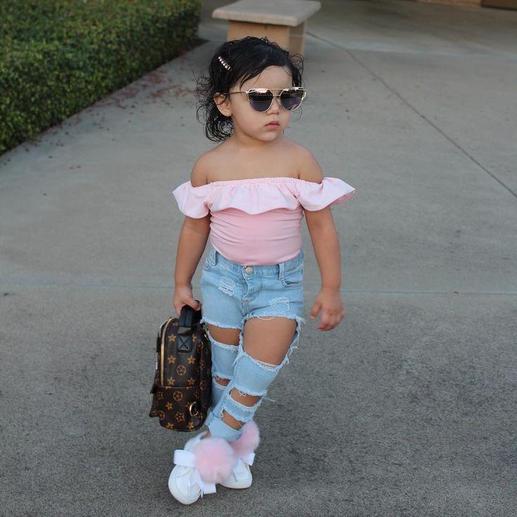 Lil' Fashion Queen @dalarysophia - Pretty in Pink  I couldn...Yooying