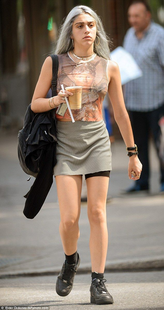 Quirky style:Madonna's daughter Lourdes Leon rocked her new ash grey tresses as she poppe...