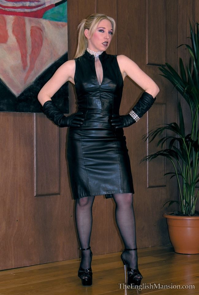 Schwarze Lederjacken Pin Auf Latex Leather Or Pvc Dress