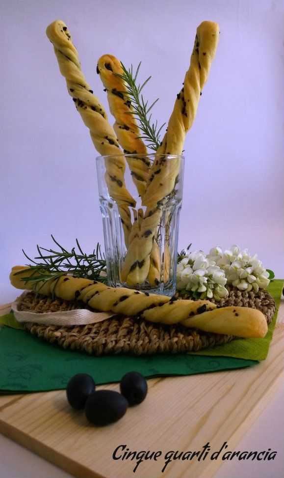 Grissini morbidi alle olive (ricetta Sara Papa)