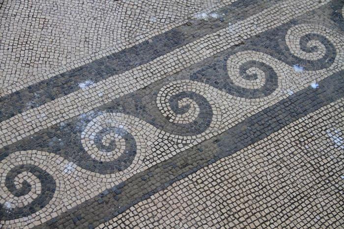 floor tile. pompeii.