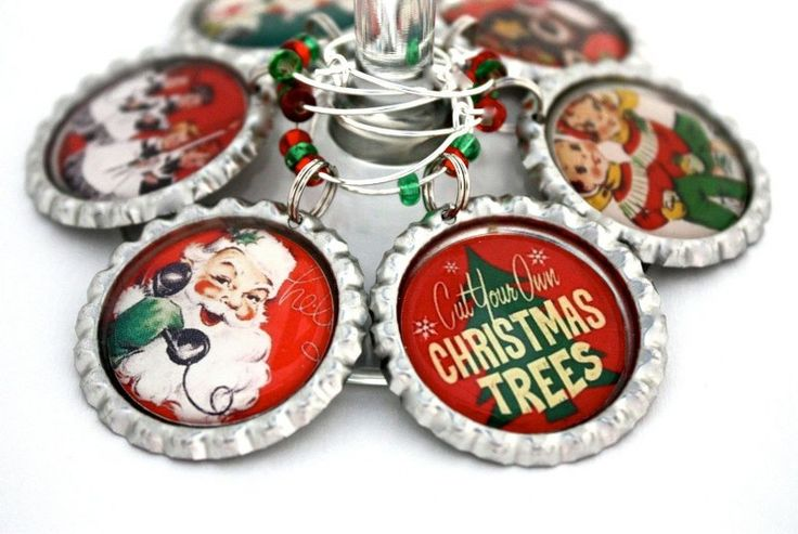 Vintage christmas party favors retro wine glass charms for Holiday party gift ideas for the hostess