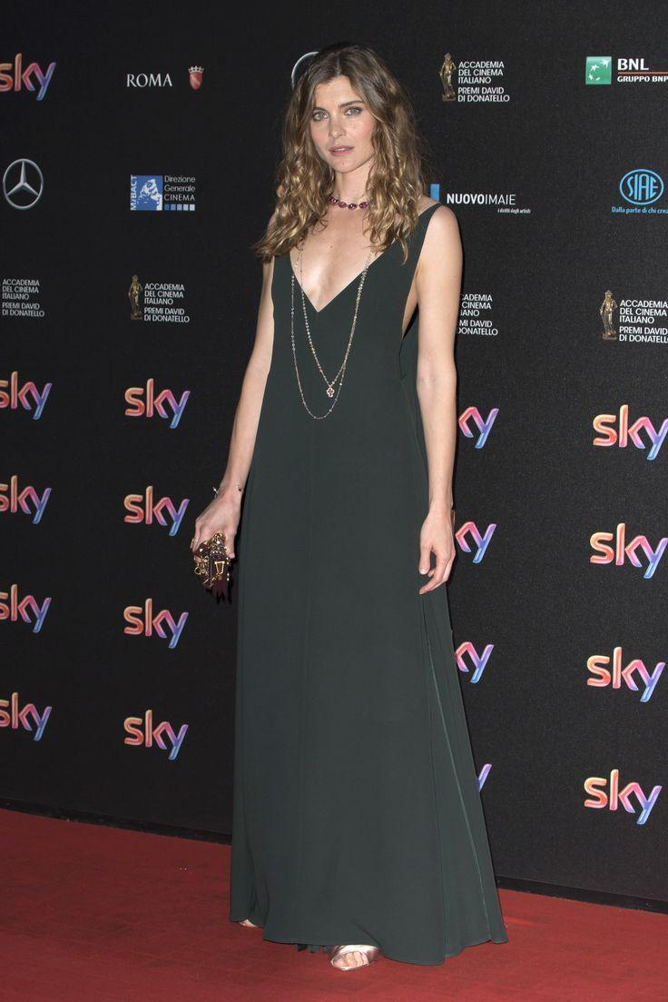 Vittoria Puccini in a Valentino Spring/Summer 2016 gown as she attented the 60th David Di Donatello awards in Rome on April 18th.