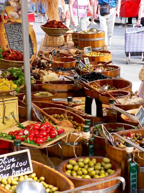 The Little Corner - bella-illusione: Market at Beaune, France