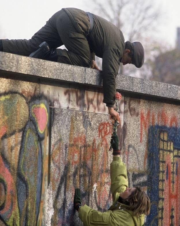 Découvrez la construction du mur de Berlin, une nuit d'août 1961