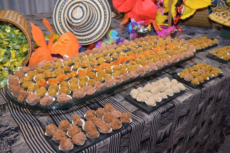 Como parte de la fiesta de Carnaval de Barranquilla que durante cuatro días se trasladó a ese país suramericano, esta noche se cumplió una exhibición de artesanías y platos típicos del Atlántico.