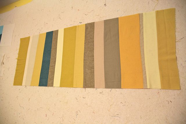 Yellow taupe and blue colors that go well with greige for What goes with taupe