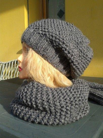 Berretto+in+lana+grigia - Cappello+ai+ferri+per+donne.
