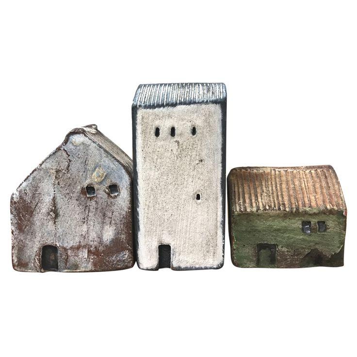 Miniature houses by Head Potter at Morris & James Matakana, Ian Foote.