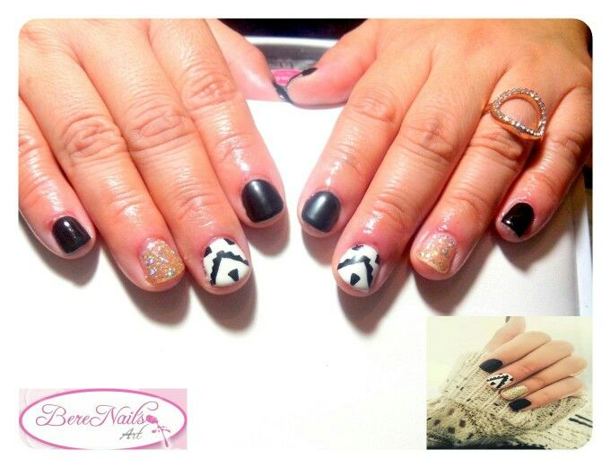 Uñas esmaltado semipermanente sobre uña natural nail art