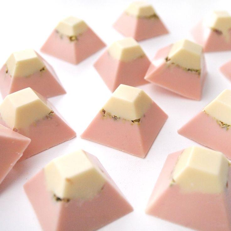 Sugarlips Cakes || Chocolate Pyramids