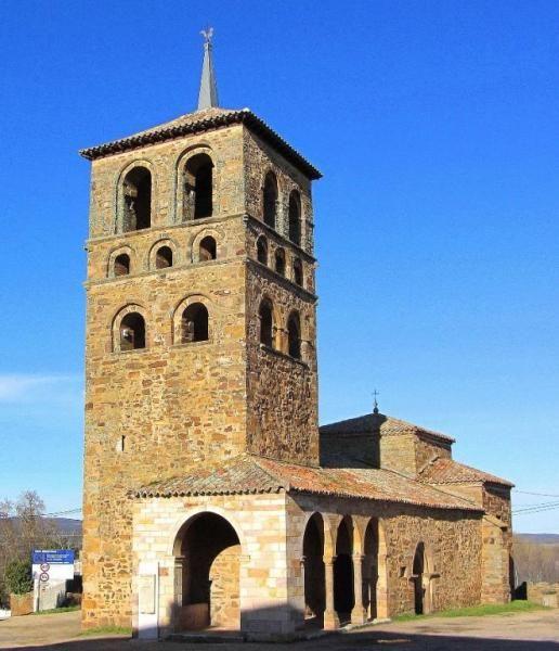 Tábara, provincia de Zamora - Iglesia románica de Santa María de Tábara