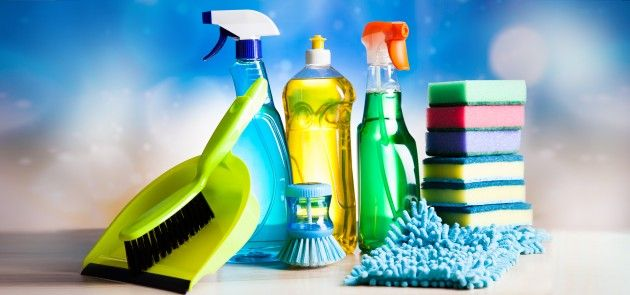 10 лайфхаков для уборки и чистки вещей.  Sebastian Duda /Shutterstock.com