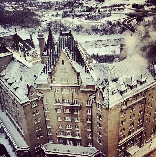 Edmonton hotel macdonald winter