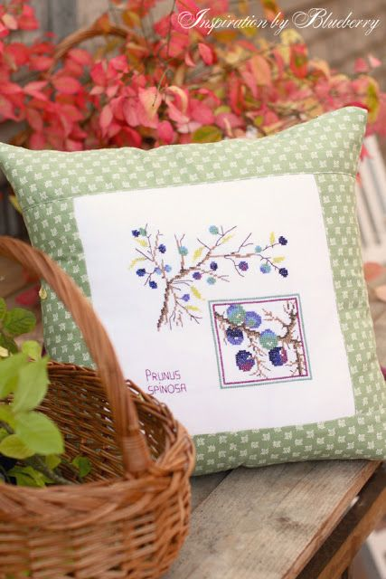 Blueberry: cross stitching